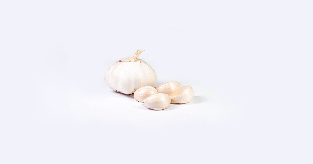 Close-up Dried Fruit Food Food And Drink Freshness Garlic Garlic Bulb Garlic Clove Healthy Eating No People Studio Shot White Background