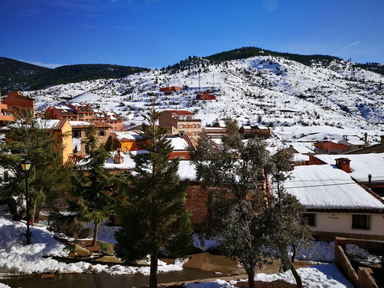 Camarena de la Sierra, Teruel Tree Outdoors No People Skiing ❄ Snow Covered Snow Snowday Pueblos De España Pueblo Con Encanto Pueblo Con Nieve Vistasbonitas Vistas Con Nieve Nieve Nieve Invierno