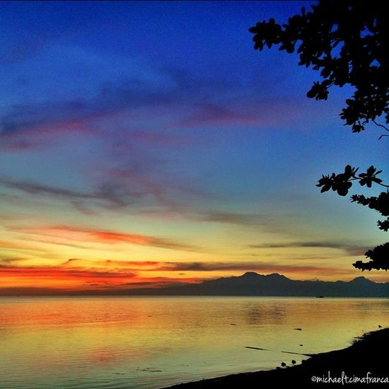 'Twas not a beatiful sunset view today. But this breathtaking view appeared after the sun set. 24Feb Visitph2015 Bugwas Sanjuanian Siquijor mysticsiquijor visitthephilippines thephilippines itsmorefuninthephilippines sunset snapseed beach LOSTINPH lacviewersent xperia pixlr nature photography pool spring paradise sundown