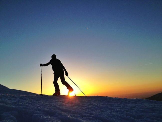 Mi Domingo #esquídemontaña #skimountaineering #skimo #mountain #sunrise #amanecer #cotos #peñalara #gasss #training #ilovemountain #beforework #dynafit #happy #feliz #welovemountain #sinfiltros
