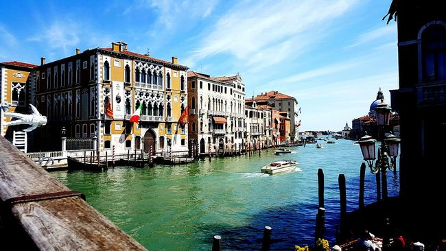 Italy Venice Venezia Bridge Skulpture Cosmonaut