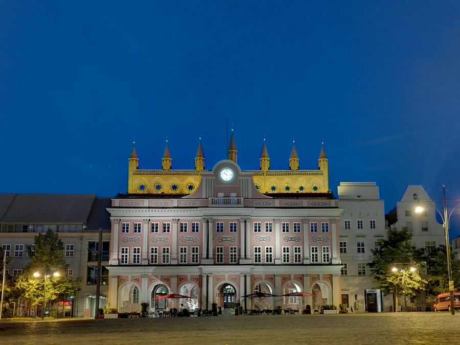 Rathaus Townhall Town Hall Neuer Markt Nightphotography Long Exposure Slow Shutter No Filter No Filter, No Edit, Just Photography Honor 7 Smartphonephotography Sightseeing Rostock Germany Honor7