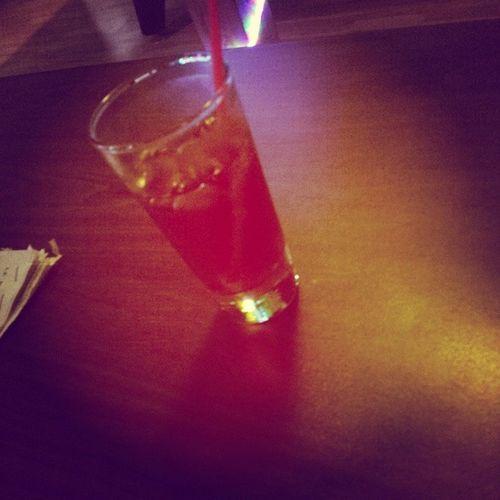 Un bon verre de vodka canberge pour finir une belle et chaude journée de travail ! :) Vodka Canberge Take Easy relax marinaniddaigle