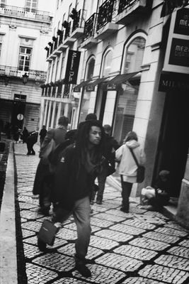 streetphotography at Chiado by quislibet