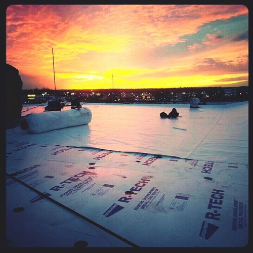 I have a love hate relationship with how I make money.. Moments like this are the reason why I still have a job! Work Roofing Skyporn Sunset