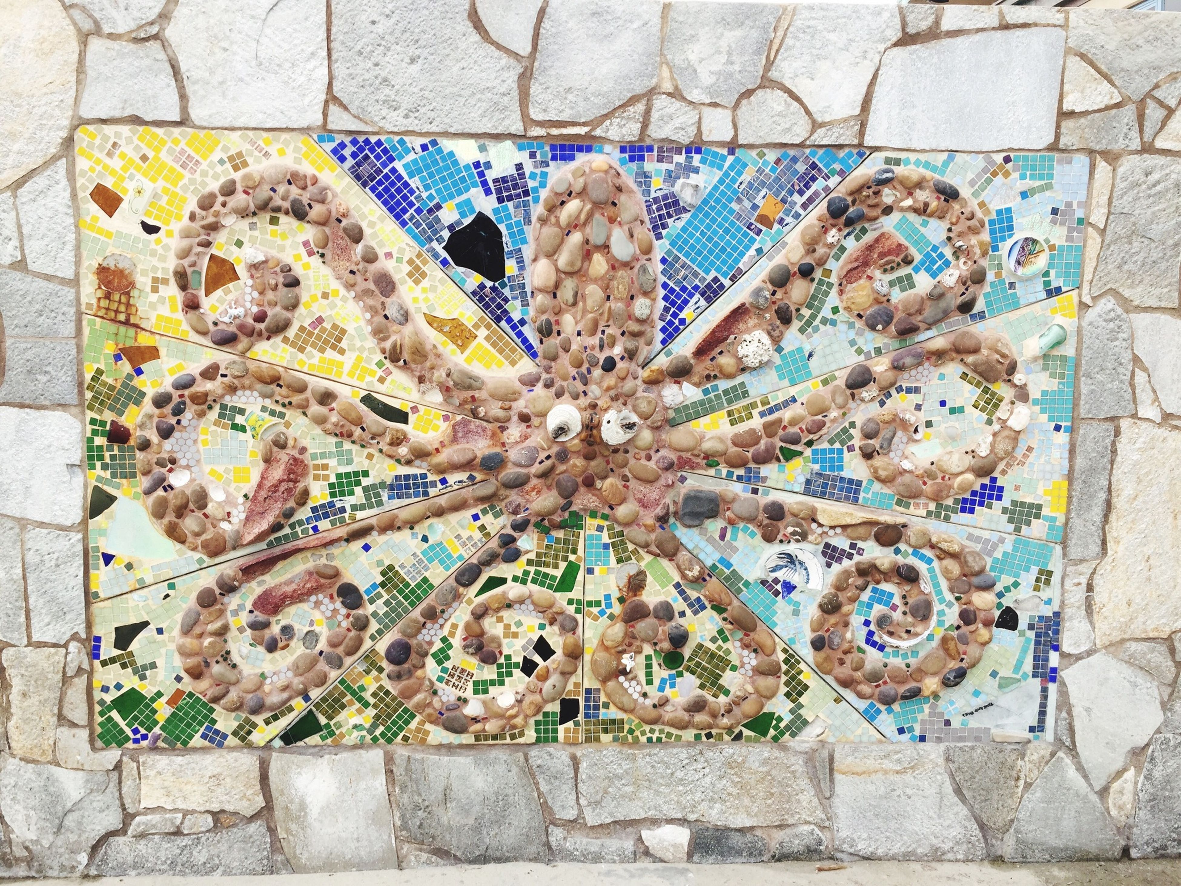 art and craft, art, creativity, wall - building feature, graffiti, pattern, built structure, architecture, human representation, text, multi colored, textured, wall, design, craft, full frame, carving - craft product, day, outdoors, backgrounds