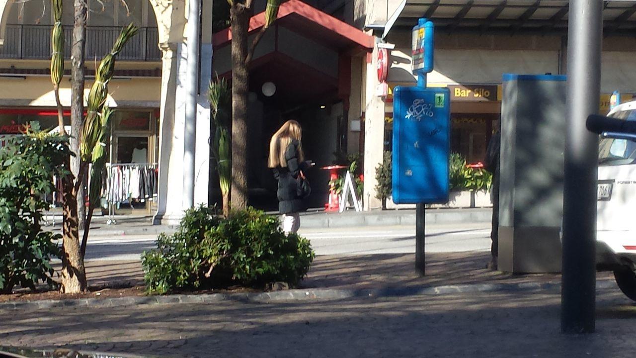 Svizzerland Outdoors Locarno, Switzerland City Street City Life City Bus Bus Stop
