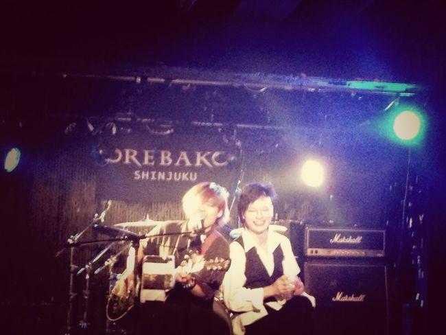 OREBAKO In Shinzyuku 20131008 路地裏の植松さんと、シュシュのこんさんはソウルメイトなんですって!笑顔が2人ともすごくいいですね\̏(º̻∇º̻)/̋