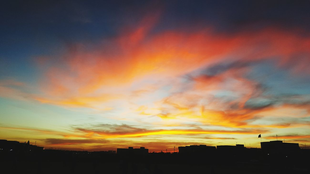 Taking Photos By My Cam Most Popular Check This Out Common Sunset Sunset #sun #clouds #skylovers #sky #nature #beautifulinnature #naturalbeauty #photography #landscape Perfect Dismal Sad Day