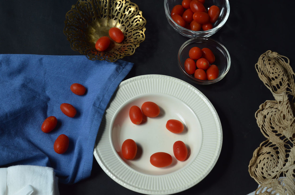 Still life with Grape tomatoes Arrangement Bowl Cherry Tomato Food Freshness Grape Tomatoes Healthy Eating Indoors  Plate Red Still Life Tomato Tomatoes