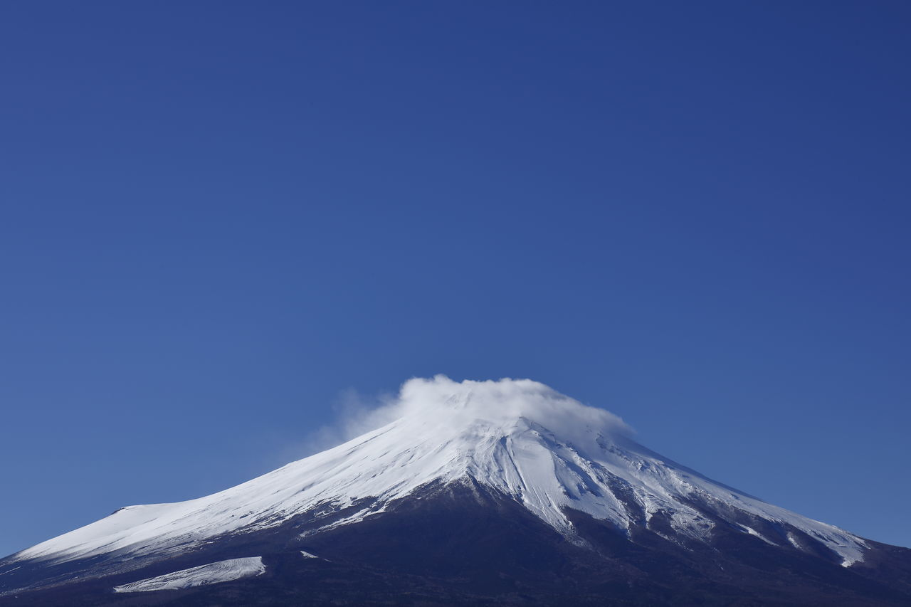 Beauty In Nature Blue Blue Sky Clear Sky Fujisan Japan Japan Photography Landscape Landscape_Collection Landscape_photography Mountain Mountain Peak Mountain_collection Mt.Fuji Nature Nature Photography Nature_collection Outdoors Sky Snow Snow Covered Snowcapped Mountain Volcano Wind Winter