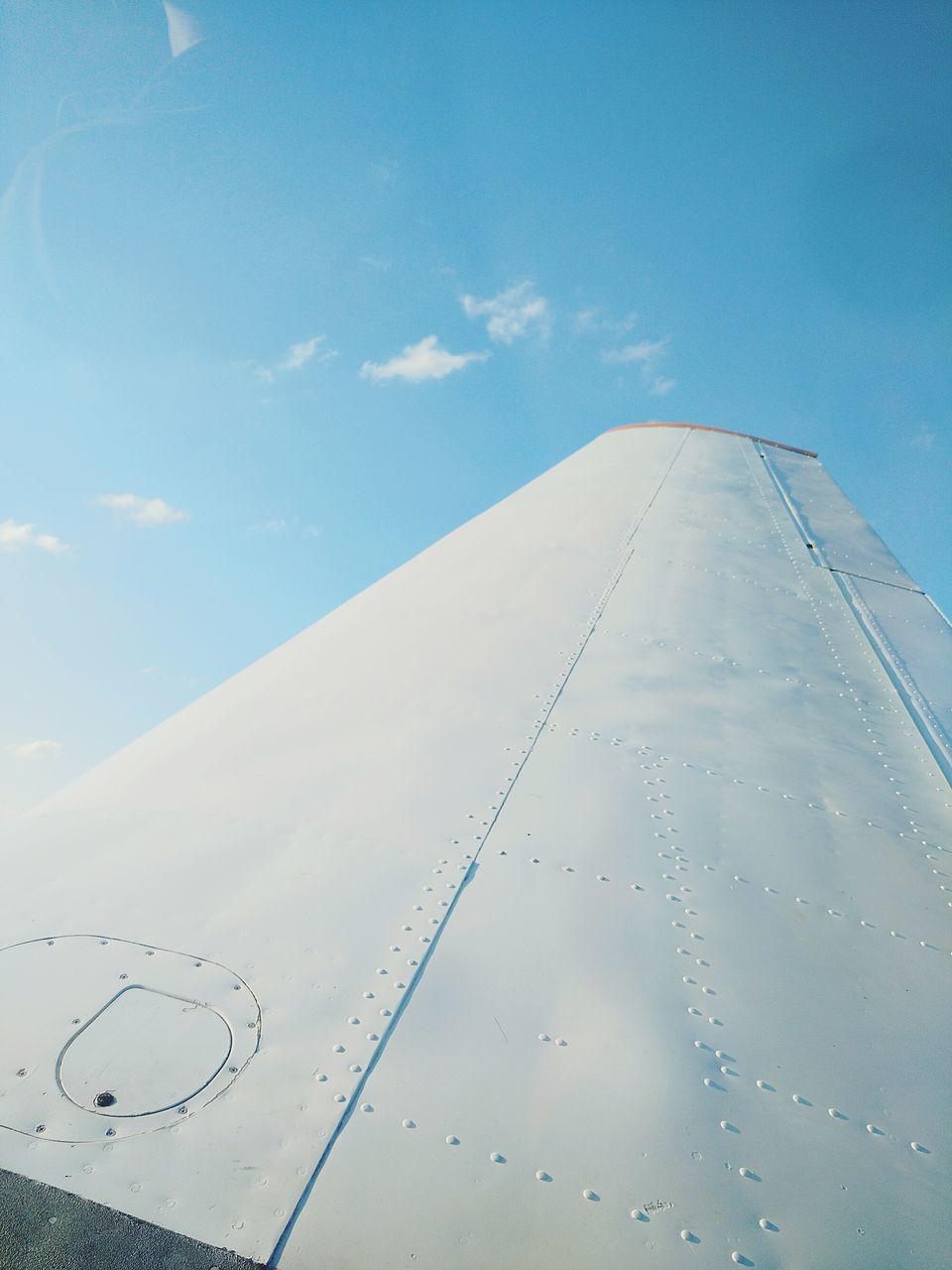 airplane, sky, air vehicle, transportation, cloud - sky, mode of transport, no people, day, outdoors, flying, aircraft wing, airplane wing, nature, commercial airplane