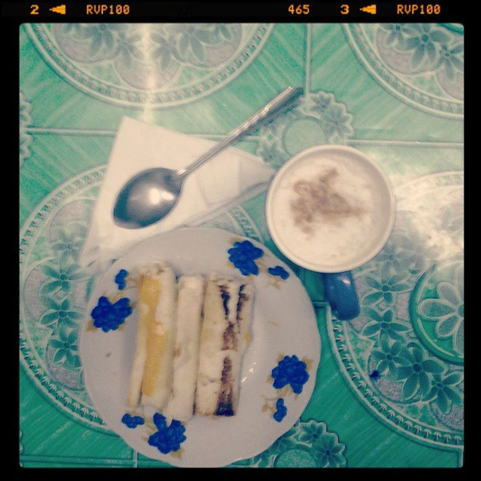 care for a cup of cuppucino and bread roll with cheese???? :D Lexuarytime Eating Thingsimakemyself