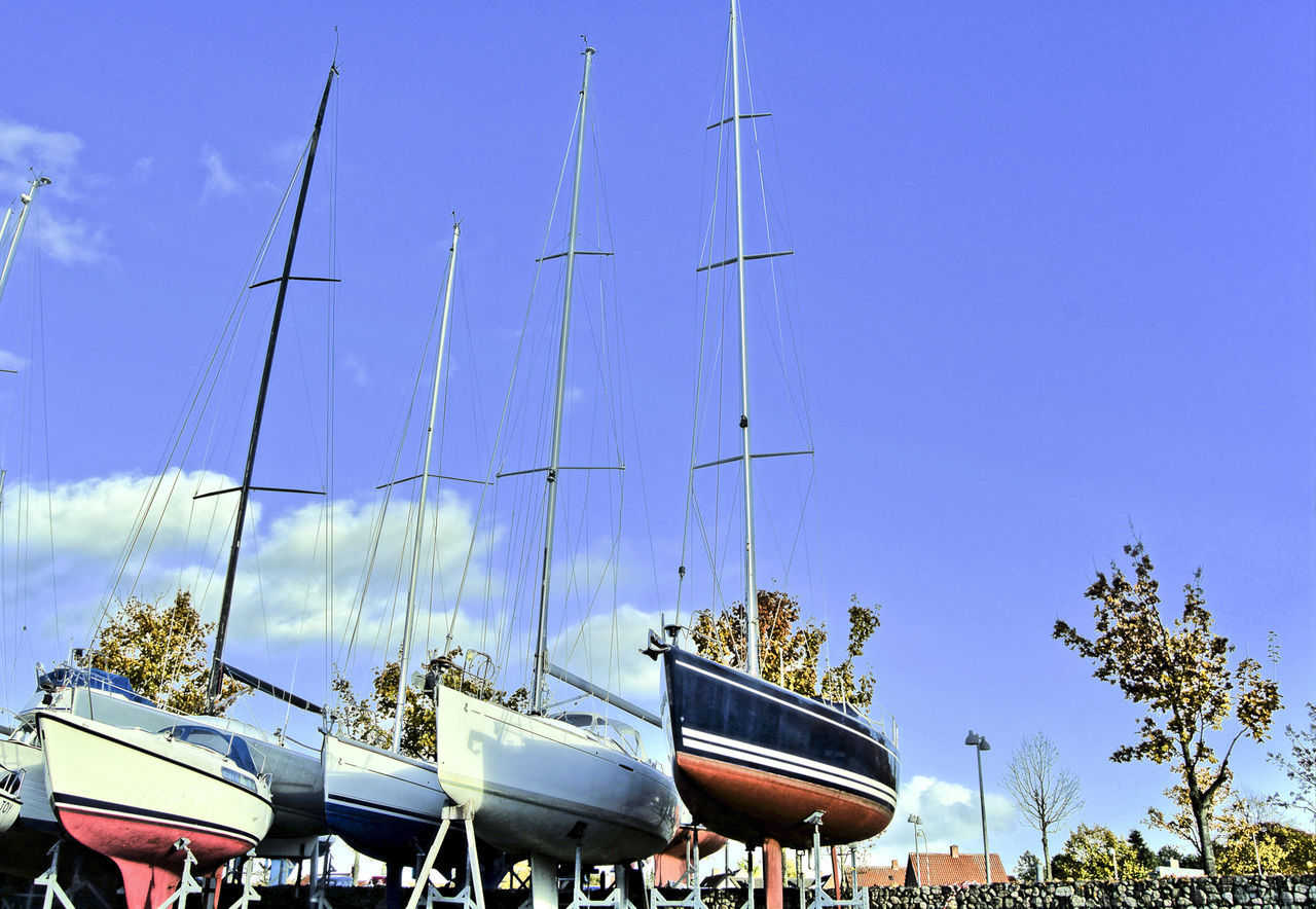 dry docked boats Boat Boats⛵️ Dock Docks Dockside View Dry Dock Dry Docked Boat Marine Marine Life Recreational Boat Recreational Boats Ship Shipside Ships⚓️⛵️🚢 Vessel Vessels