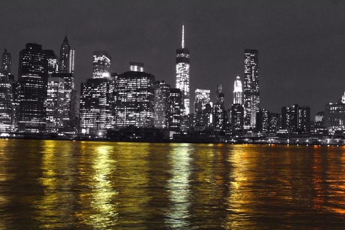Vistas Manhattan The Illuminator - 2014 EyeEm Awards Black And White Black&white Colors Of The Night