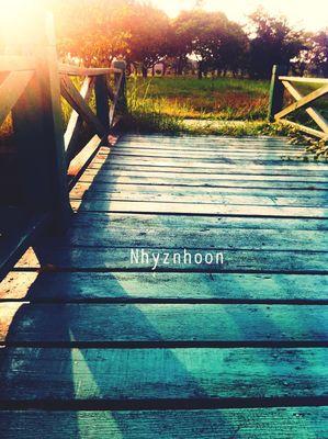 Photo by Nhyznhoon