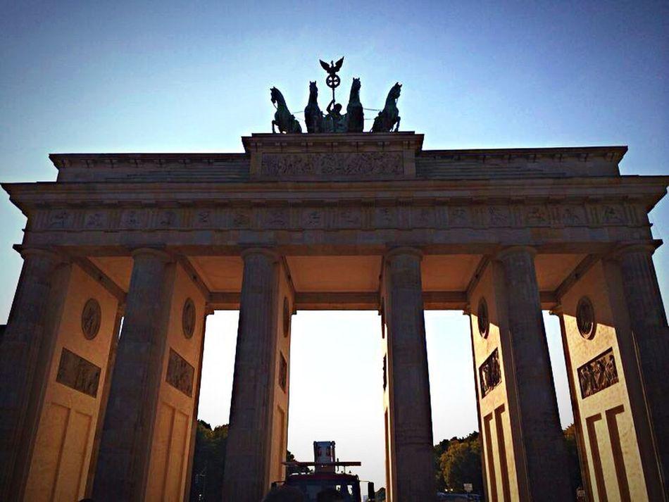 Berlin Branderburgertor Sunset Deutschland DasLeben