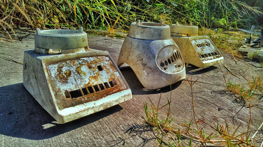 Tecnología del hogar High Angle View No People Close-up Day Walking Around Nice Pic Taking Photos Multi Colored Group Of Objects Decay Vibrant Color Photographer Urbanexploration Urbanphotography Love Photography Picsofday Home Kitchen