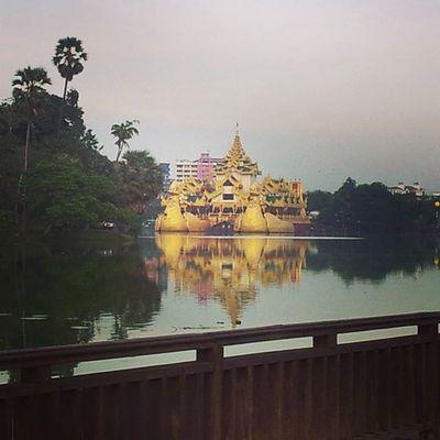 Golden replica of a Burmese royal barge on Kandawgyilake . Karaweik Kandawgyi InlayLake Yangon Rangoon Myanmar Burma Travelshots Everydayasia Travelphotography Lakeside Travelawesome Travelingourplanet VSCO Feel The Journey