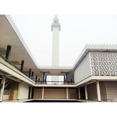 I don't have everything that I want, but I do have all I need, I woke up with some aches and pains, but I woke up. My life may not be perfect to my eyes, but I am blessed. Projekweekendmaknani Projekmasafree Projektekansajapedalminyakitu Architecture Mosqueinmalaysia Mosque Malaysia MasjidNegaraSeries