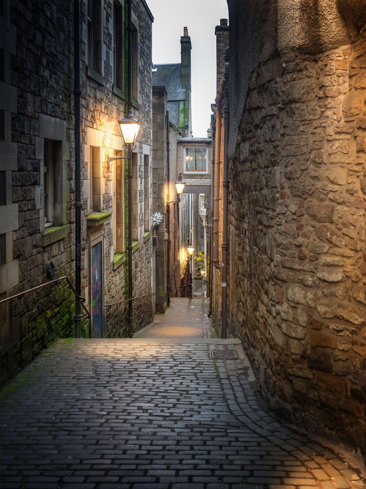 Illuminated City Alley Alleyway Medieval Scotland Edinburgh Europe Europe Trip Light And Shadow Lights Old Town No People Architecture The Way Forward Edinburgh, Scotland Moose United Kingdom Great Britain Scottish
