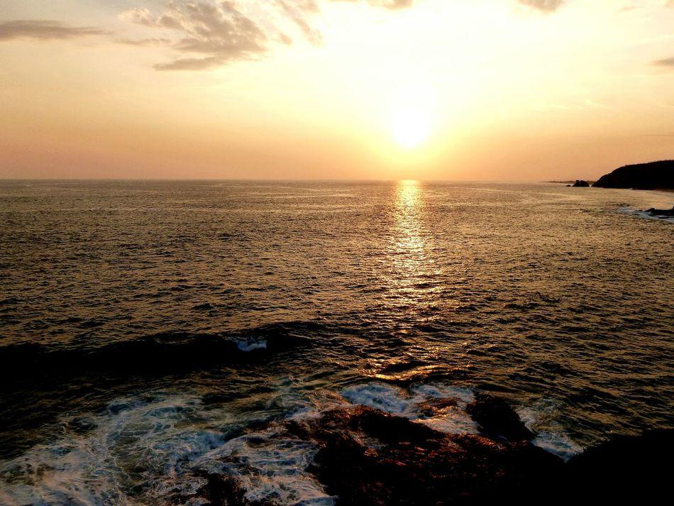 Punta Cometa OaxacaShunshine Bestfeelingintheworld  Dramatic Sky Horizon Over Water Mazunte Landscape Sky Scenics Nature Sunlight