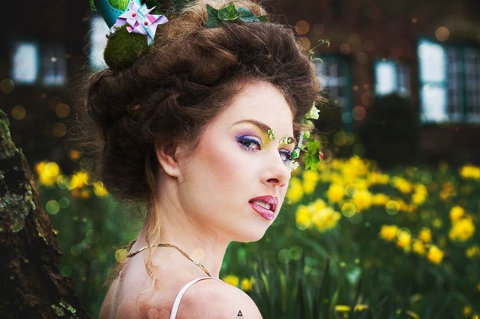 Easter Spring Garden Daffodils Flowers Jardin French Model Photoshoot Makeup Fairy France Beauty Hairstyle Makeupartist Pâque Frenchmodel Frenchphotographer Imadgin Nature Nordpasdecalais