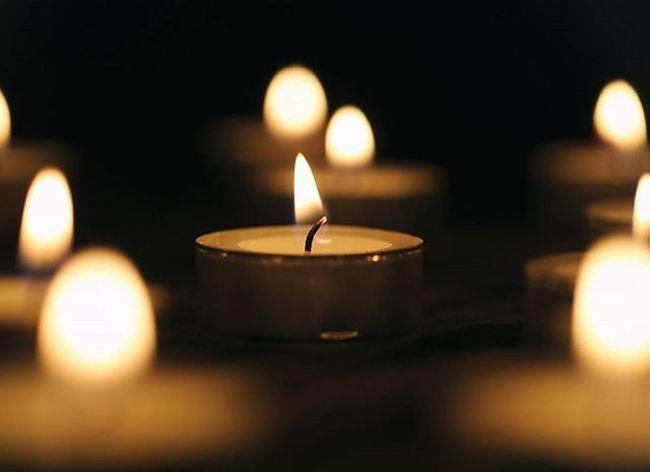 """""""Gyújtsatok egy gyertyát elhunyt szeretteitekért és òvjátok azokat, akik még mellettetek vannak! Bújjatok össze, szeressétek egymást, élvezzétek a jelen pillanatát, mert nem tudhatjátok, hogy mit hoz a holnap..."""" Dayofthedead AllSaintsDay November Candle Allsaints"""