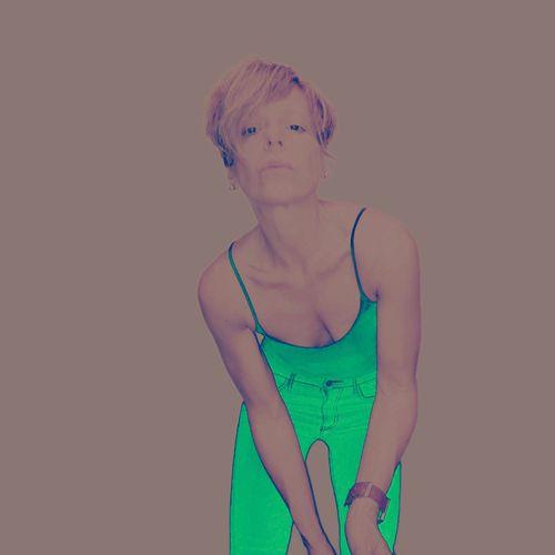Selfportrait Self Portrait Selfie ✌ Selfie✌ Selfies Color Portrai Green Color Fitbit Colors Color Portrait