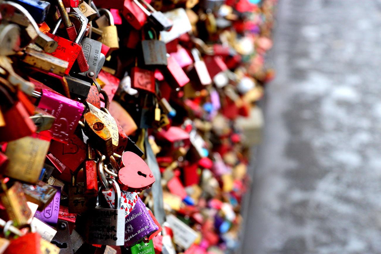 Cologne Germany🇩🇪 Love Locks Bridge Love Bridge - Man Made Structure Week-end Travel Destinations Focus On Foreground