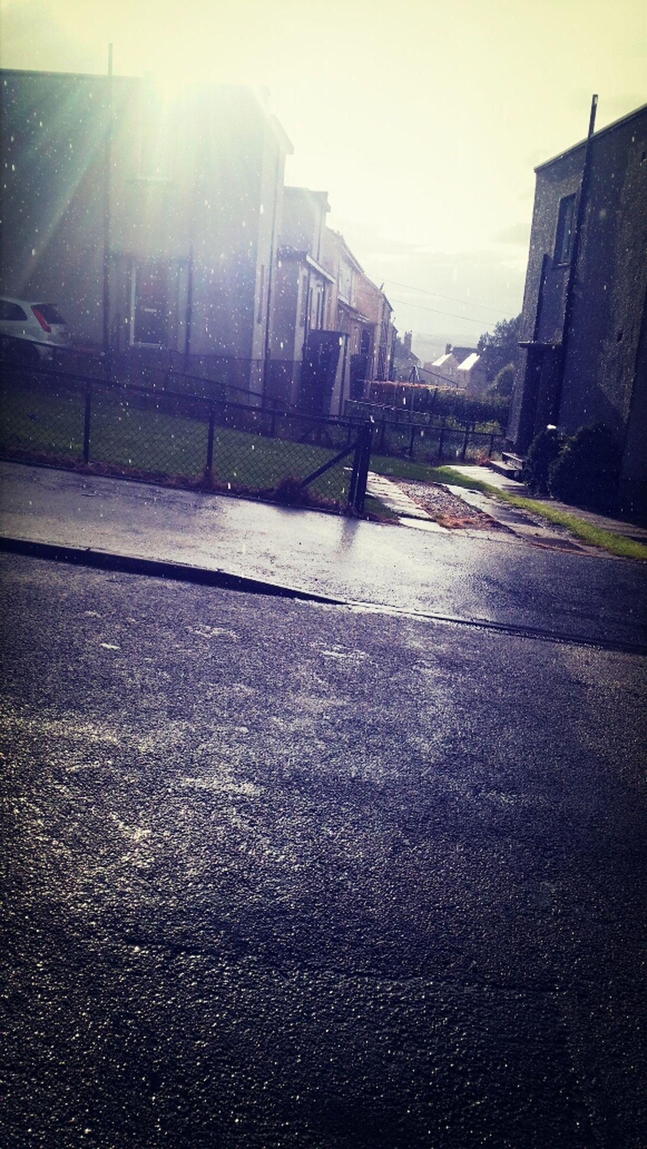 Only in aberdeen rain and sun at the same time Rain ♥ Sun ☀ Loveitandhateitatthesametime