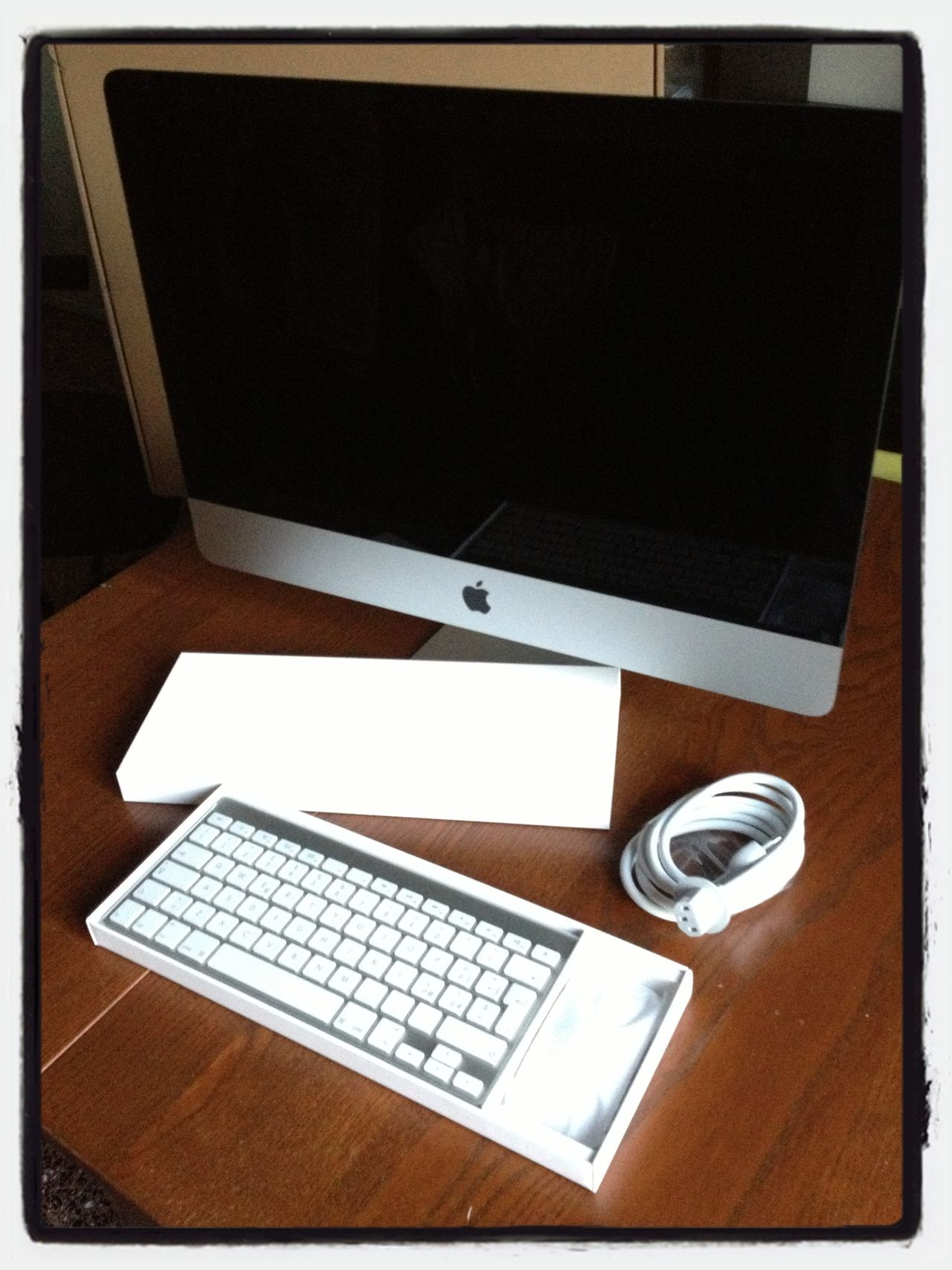 This is all you get (when you buy a new Imac 2013)