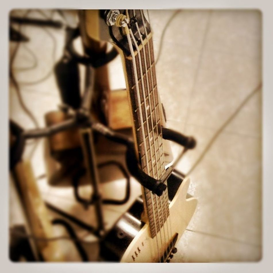 Guitar Music an unpluge concert its about to start Iphonegraphy Yesa3G