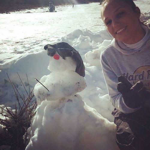 Fran quando tu for para o Chile faz um boneco de neve pra mim? Depois de muitas tentativas, eis que surge meu boneco de neve 😍⛄️ Eu amei ❤️ Amizade ObrigadaFran Chile