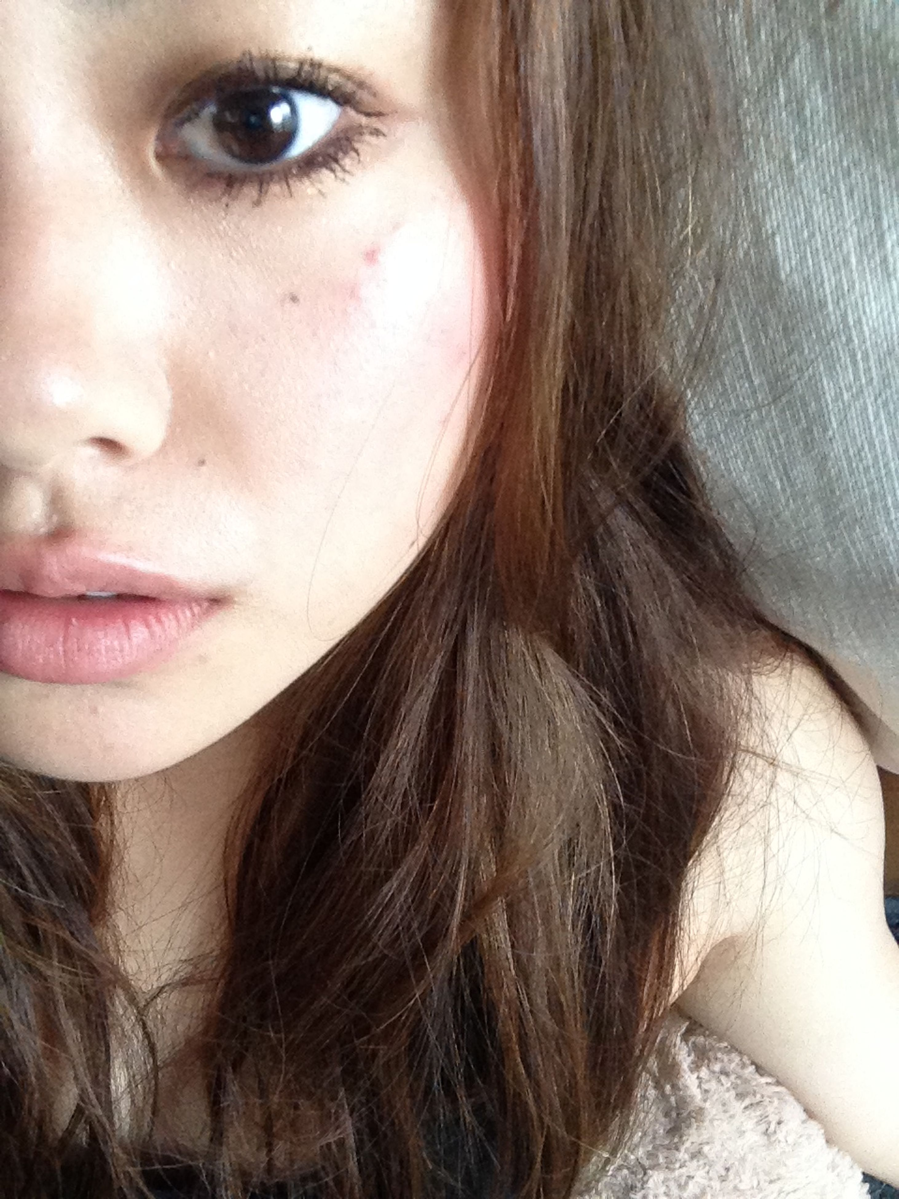 close-up, lifestyles, headshot, human face, part of, leisure activity, person, young women, young adult, human skin, human eye, cropped, human hair, indoors, focus on foreground