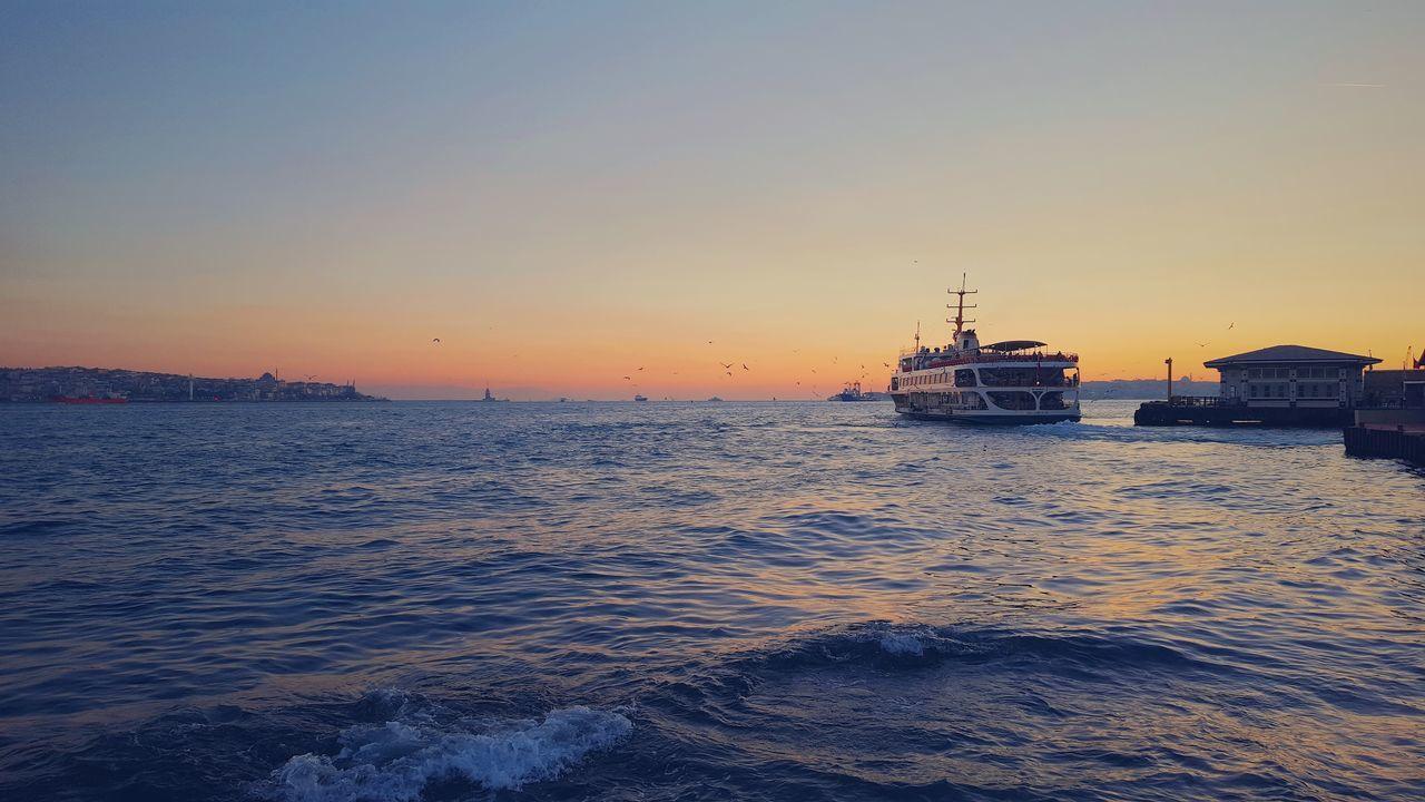Shot on Samsung S6 Samsung Galaxy S6 Ortaköy Istanbul Türkiye Ferry Waterfronts Turkey Sunset Dusk Besiktas Deniz Muzesi Türkei Boat Bosphorus