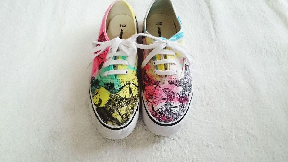 Shoes New Design  Original Lacgaki Painthing Hello World