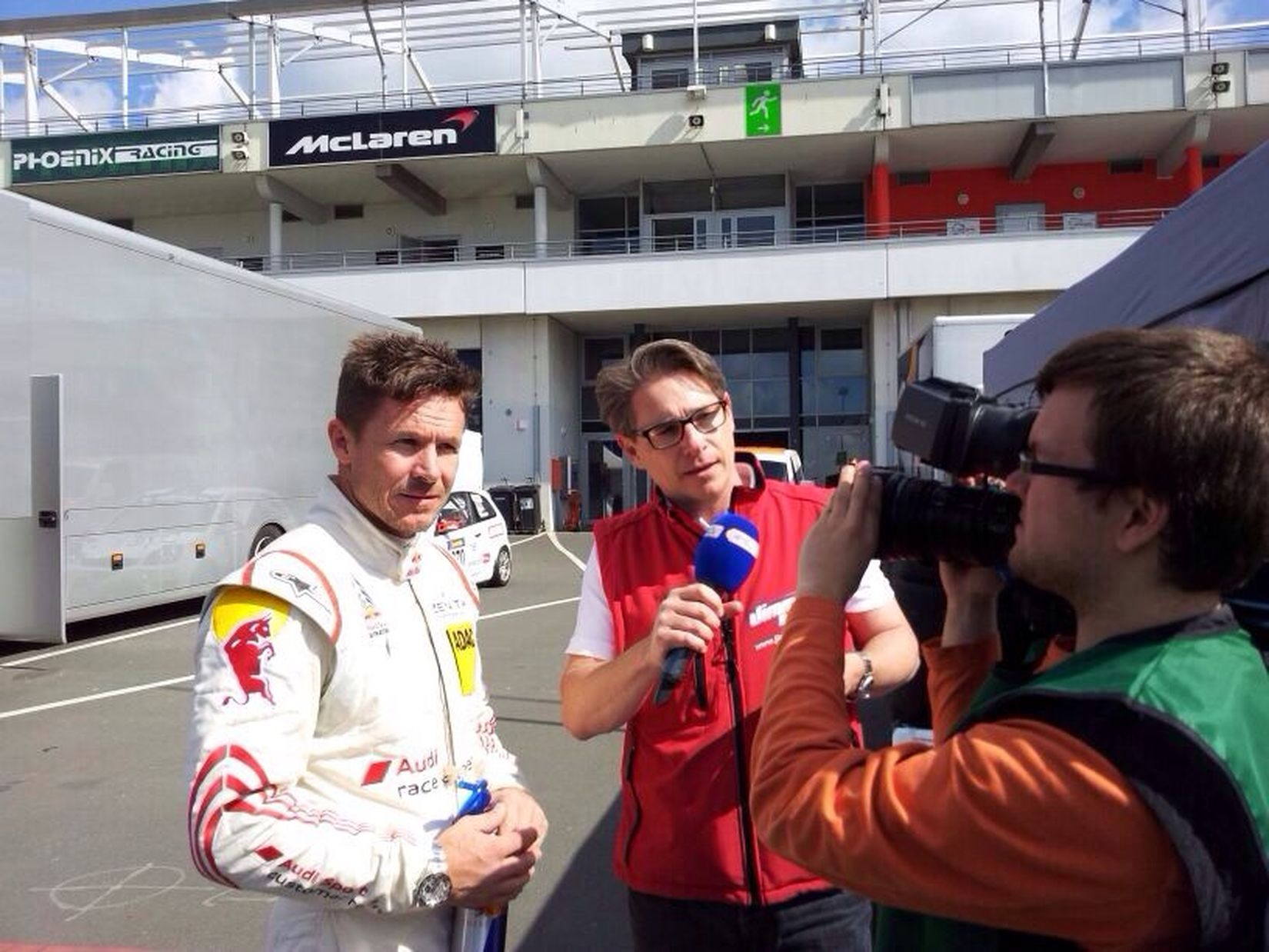 I Love My Job! Reportage Felixbaumgartner Hello World Motorshow Motorsportpur