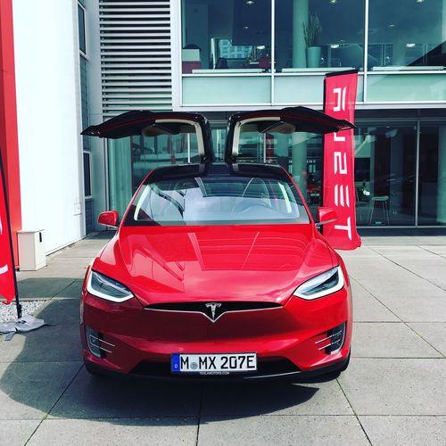 買っちゃう? Tesla Model X First Eyeem Photo