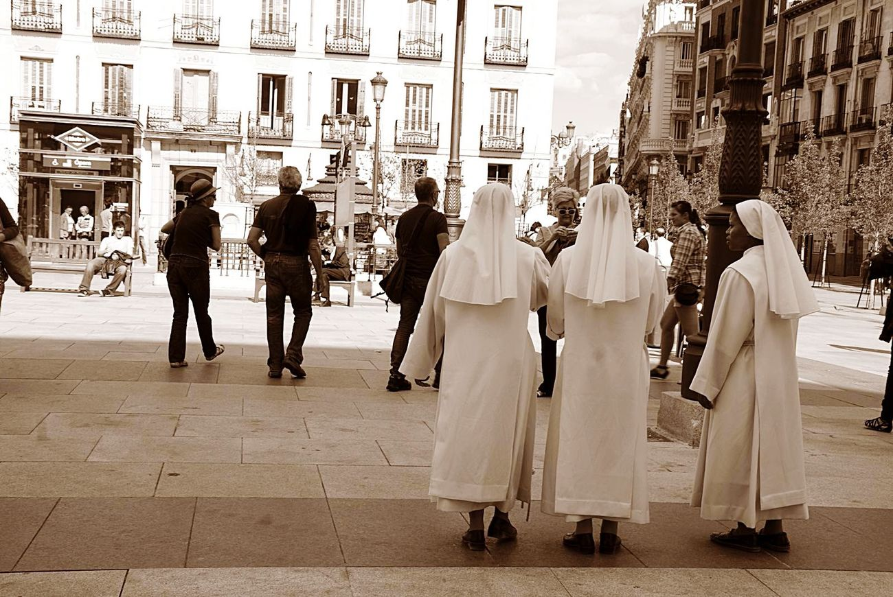 Urban 4 Filter Walking Around The City  Madrid Monjas Sepia Street Photography Plazadeoriente