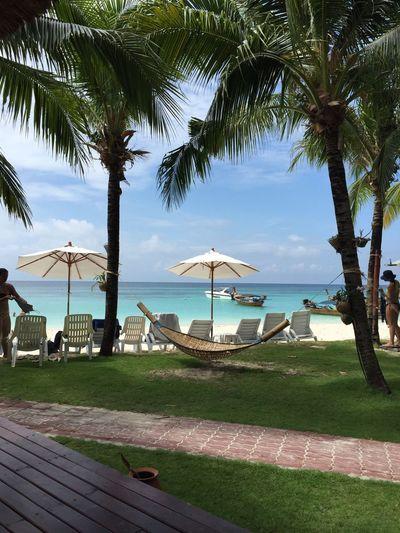 Relaxing Beach Life In Heaven