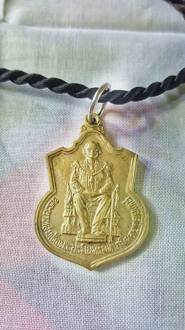 Gold Colored Close-up Human Representation Single Object Gold Indoors  Full Frame Focus On Foreground Man Made Object Antiquities Religious Symbol The Past History King King Of Thailand ในหลวง