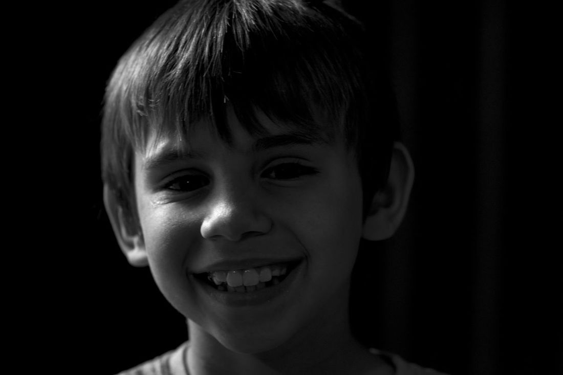 4 of 4 Test shots of side lighting black and white portraits with my children  sc 1 st  EyeEm & side lighting | EyeEm azcodes.com