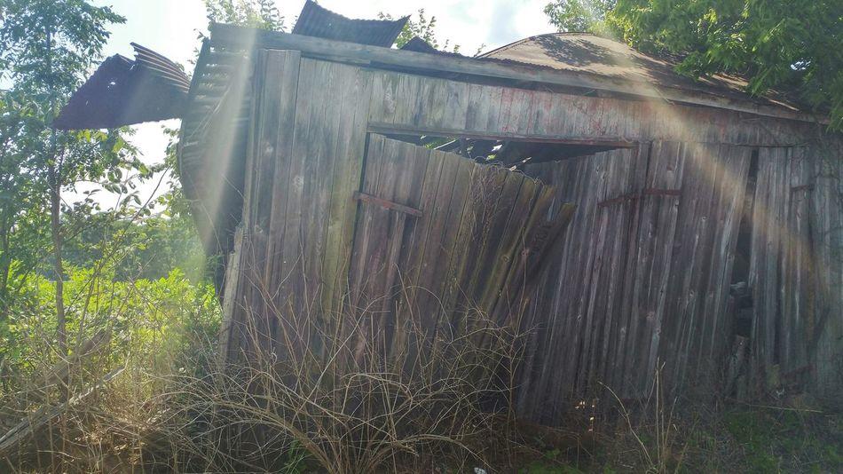 Kentucky  Rural Rurex Rural America Rural Decay Rurexexploration Rural Exploration Rurexexplorer Deterioration Abandoned Abandoned Places Abandoned Buildings Abandoned Barn Barn Light Leak Lense Flare Explore