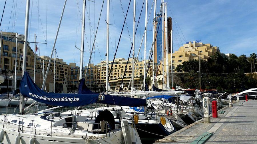 Yahtclub Malta Hotel Hilton Winter Sun Travel