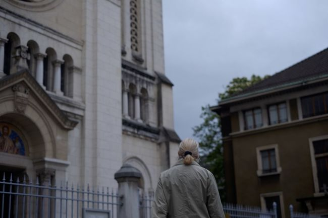 Back to the simple things // Geneva, Switzerland Architecture Building Church Façade Focus Low Angle View Portrait Sky Streetphotography Woman