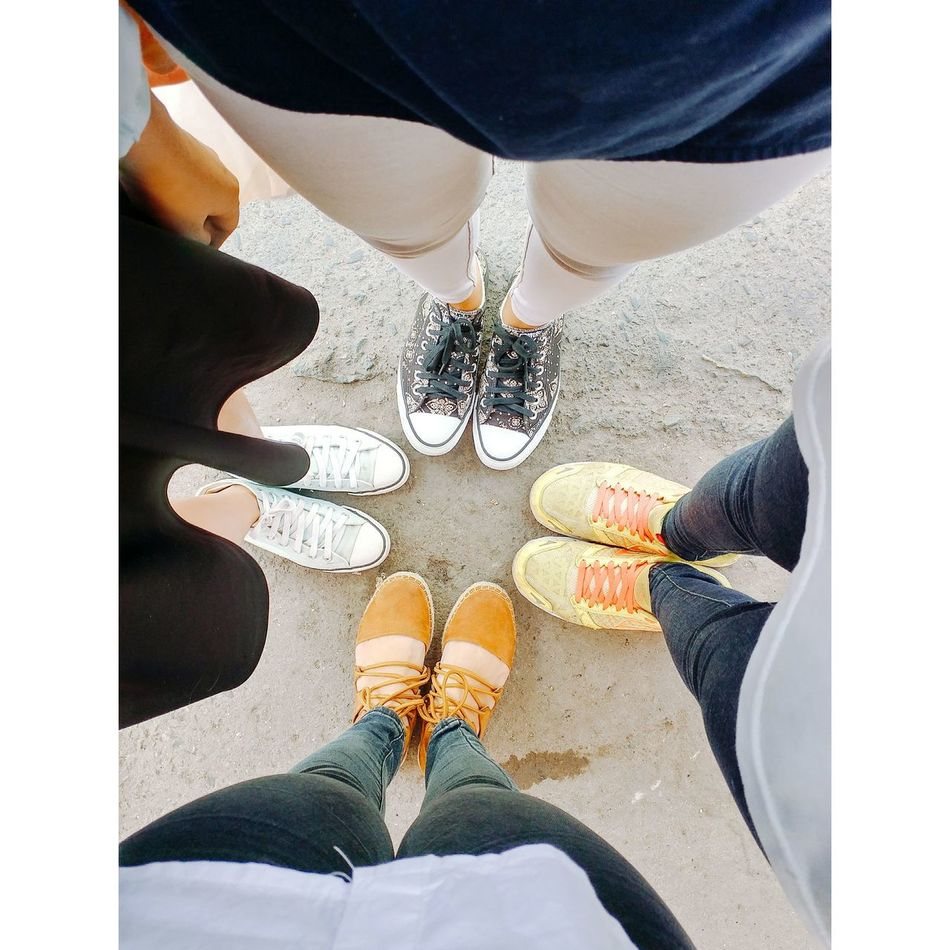 Standing Outdoors Friendship Togetherness Freshness Student Young And Beautiful Lifestyles Triển Và Đồng Bọn Happiness Vietnamese With Friends Standing Swag Childhood Jeans Triển Saigonese