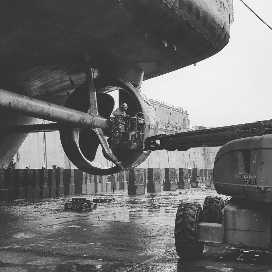 Denmark 🇩🇰🇩🇰🇩🇰 Blsckandwhite Propeller Drydock Vessel