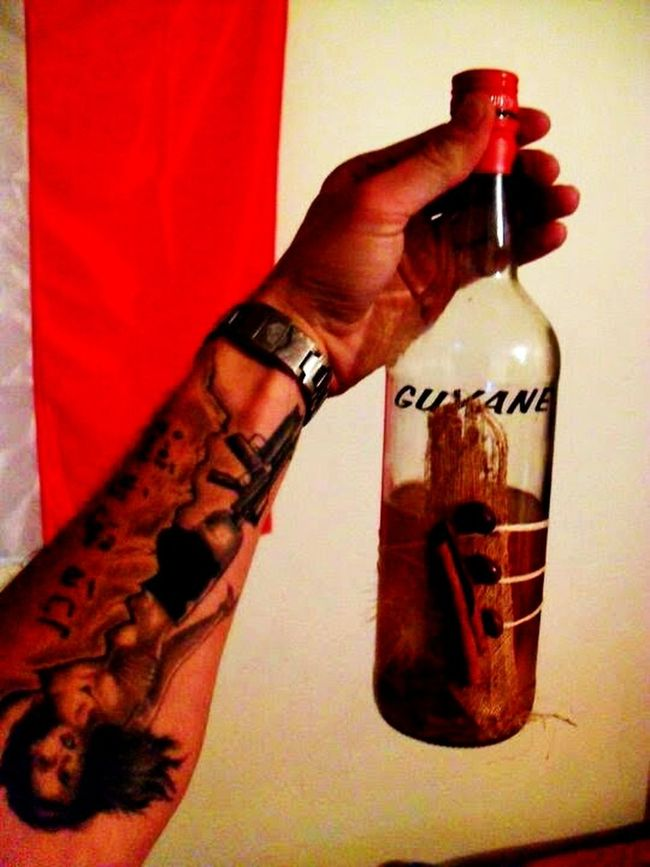 Holding Person Red Determination Legion Guyana Rum Eta Etaeurope. Com Family Special Forces 3rei Photography Bottle Musquito HANGOVER!!  Tattoo ❤ Tattoo Tat Guns Girls With Guns❤