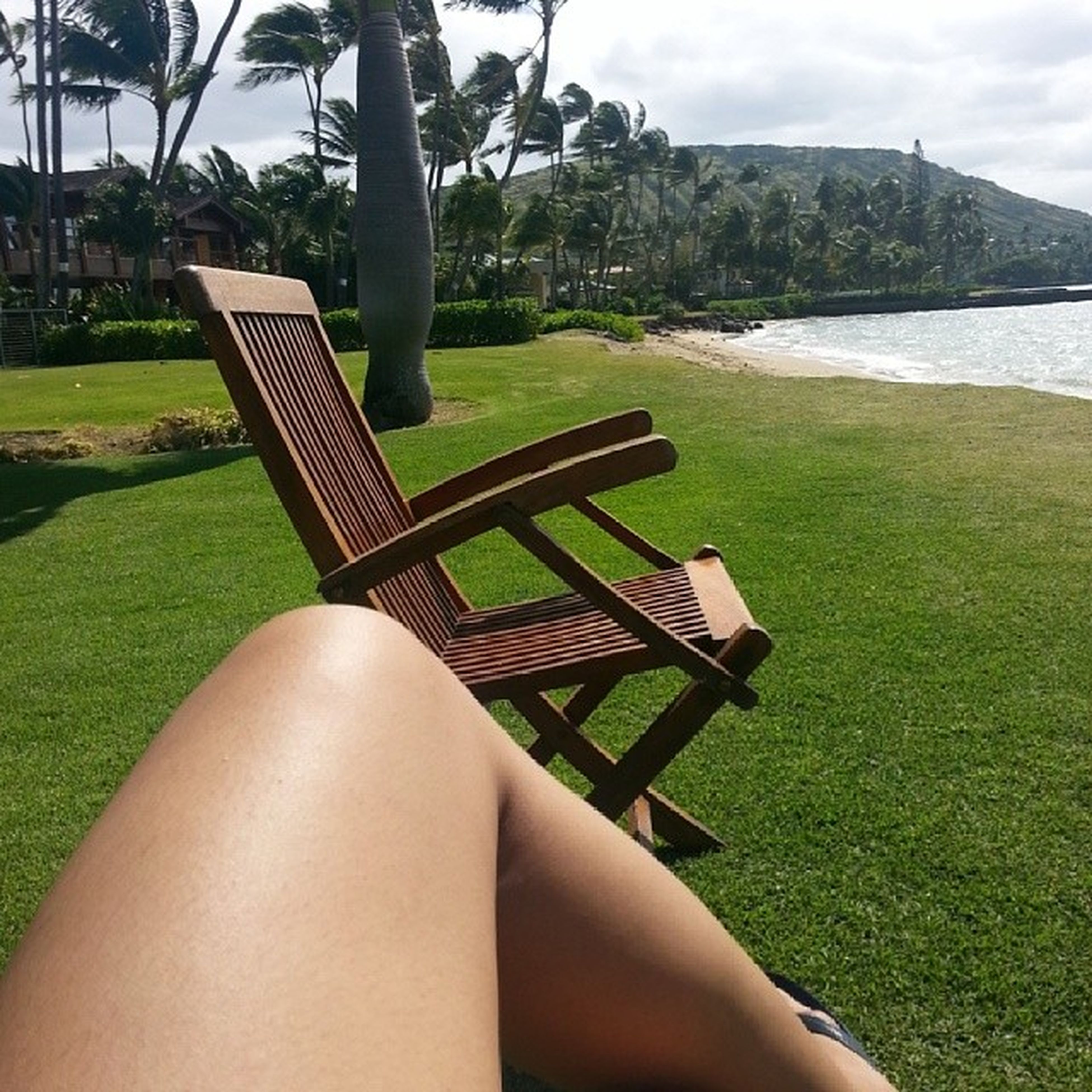 It would be nice if every weekend is like this. Just relaxing under the sun.. Beachonsaturdays Lovingthesun Luckywelivehi \m/